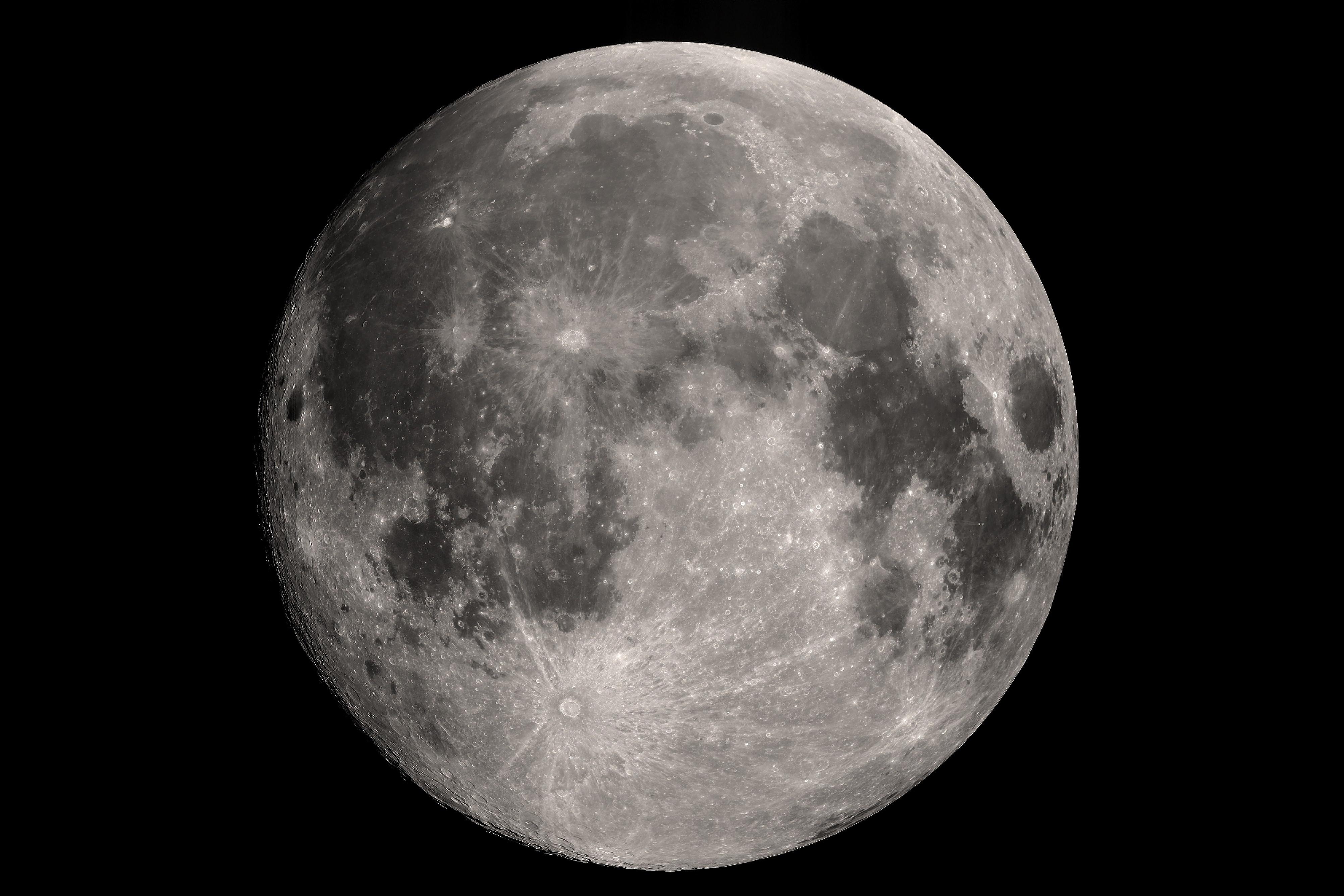 moon3pixi copy2.jpg